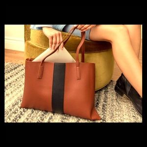 NWT Vince Camuto LUCK tote in Dessert Red